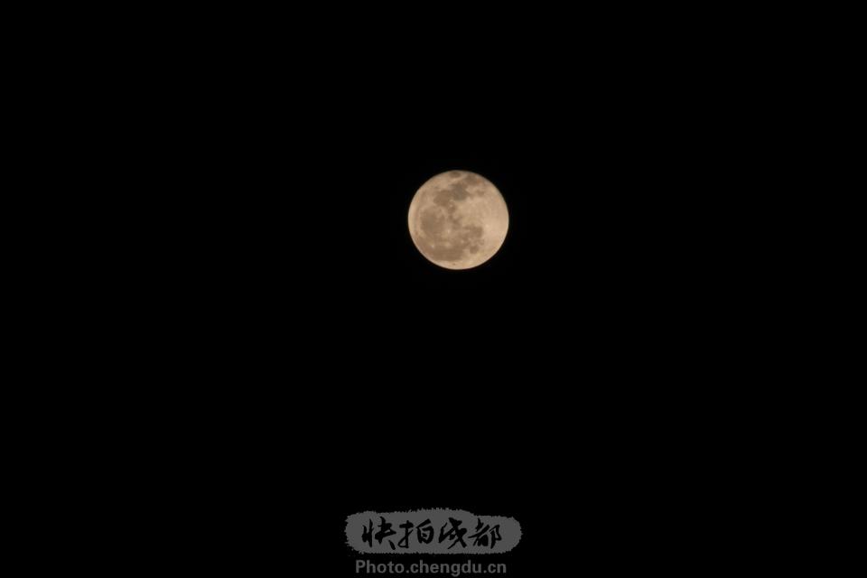 十五月亮十七圆
