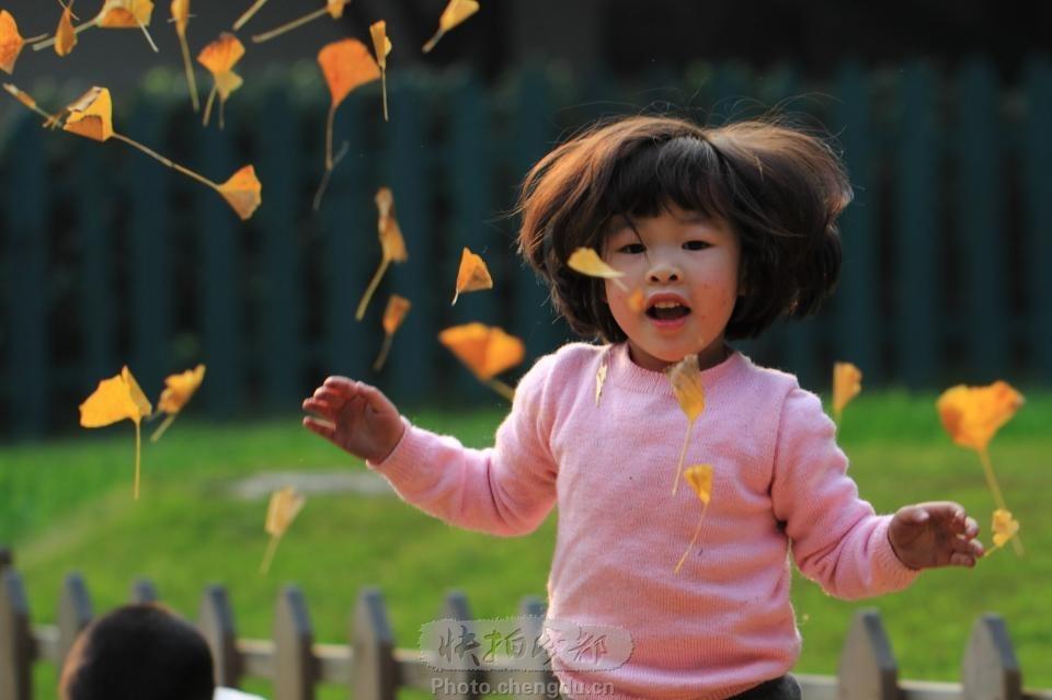 玩银杏叶的初中by拍客成长快拍女孩_成都图的论道女生作品高大图片